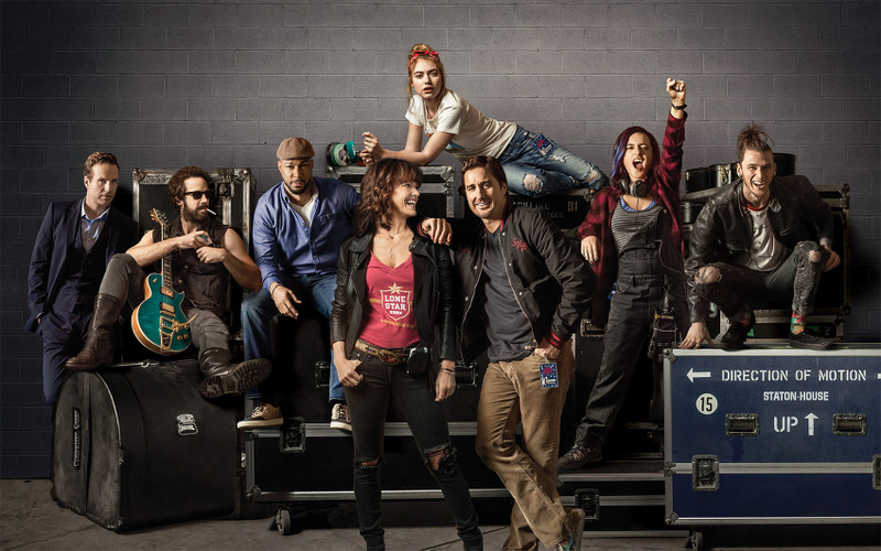 Roadies_cast_photo__key_art_001